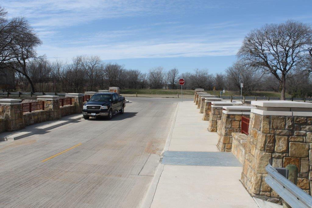 Precast Concrete Wingwalls : Cobb park precast concrete arch bridge with stone